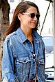 katie holmes steps out in nyc jamie foxx hold hands sela vave 04