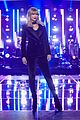 taylor swift thevoice promo pic 01
