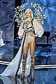 karlie kloss vs fashion show 08