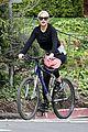 kate hudson danny fujikawa enjoy bike ride amid coronavirus concerns 06