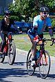 dennis quaid goes for bike ride fiancee lauren 01