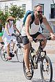 maggie gyllenhaal peter sarsgaard bike ride in greece 01