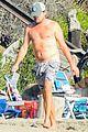 leonardo dicaprio at beach with emile hirsch 51