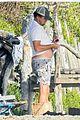 leonardo dicaprio at beach with emile hirsch 59