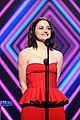 red at peoples choice awards 02