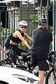 rita ora russell crowe britney theriot bike ride sydney 44