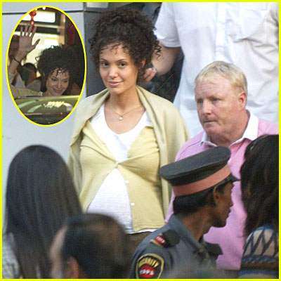 Angelina Jolie Filming on the Set of 'A Mighty Heart'