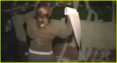 Kelly Clarkson: The Vandalizer!!