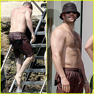 Sexy Statham Goes Shirtless in Cannes