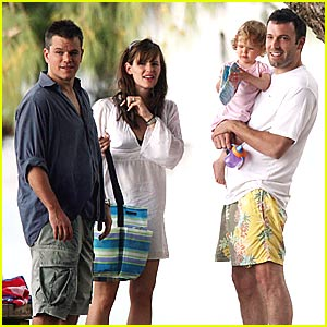 Affleck and Damon Celebrate Father's Day in Hawaii