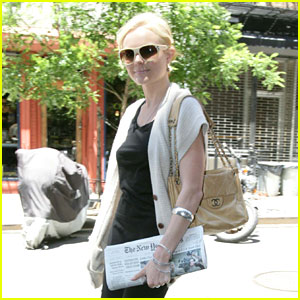 Kate Bosworth Checks Herself