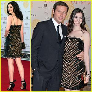 Anne Hathaway @ Valentino Show