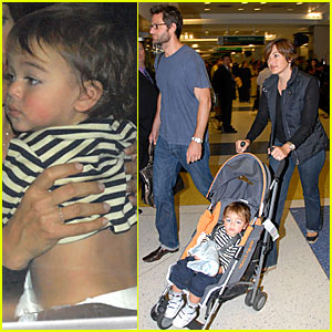 Mariska Hargitay @ JFK Airport