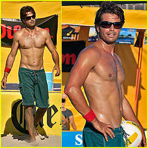 David Charvet is Shirtless