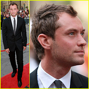 Jude Law is Hamlet