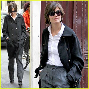 Katie Holmes Gives Fan Photos