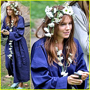 Sienna Millers Grows Flowers in Her Hair