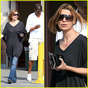 Ellen Pompeo is a Home Depot Hottie