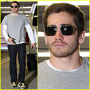 Jake Gyllenhaal Embraces Being Hottest Bachelor