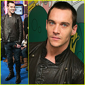 Jonathan Rhys Meyers Loves Bulging Eyes