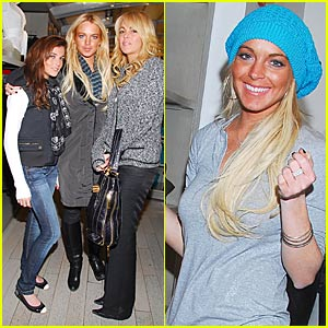 Lindsay Lohan's Black Friday Shopping