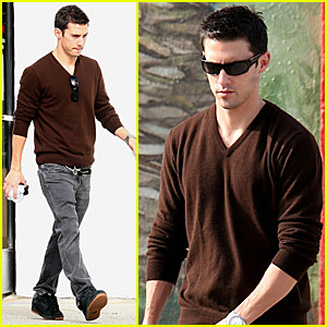 Milo Ventimiglia's Dry Cleaners Drop-Off