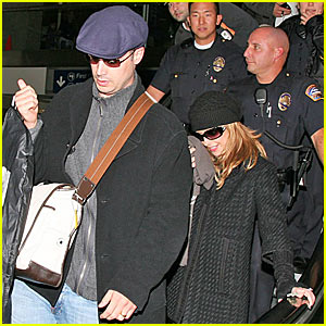 Sarah Michelle Prinze @ LAX Airport