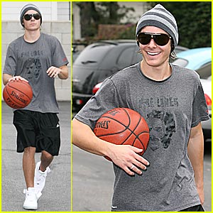 Zac Efron is a Basketball Playa