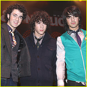 The Jonas Brothers Jingle All The Way