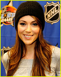 Alyssa Milano is a Hockey Hustler