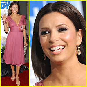 Eva Longoria is Pretty in Pink