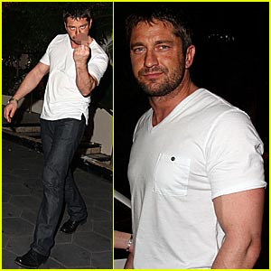 Gerard Butler's Middle Finger Salute