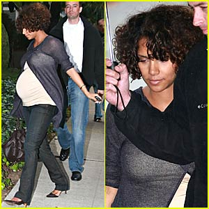 Halle Berry's New Short Curls