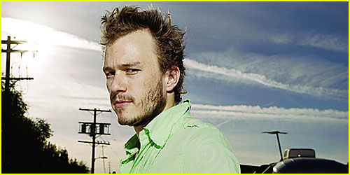 http://cdn02.cdn.justjared.com/wp-content/uploads/headlines/2008/01/heath-ledger-imaginarium-of-doctor-parnassus.jpg