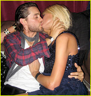 Jared Leto &#038; Paris Hilton: KISSING