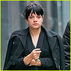 Lily Allen Suffers Miscarriage