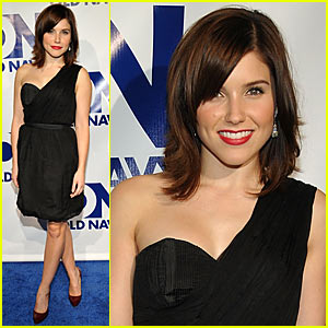 Sophia Bush is an Old Navy Nymph