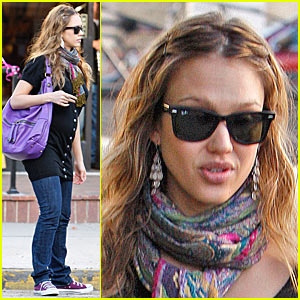 Jessica Alba is Pregnant in Purple