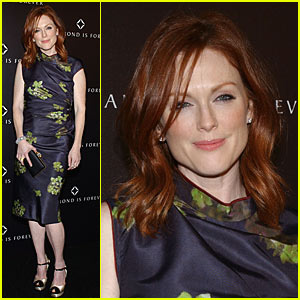 Julianne Moore Hosts Diamond Dinner