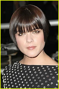 Selma Blair is a Lesbian