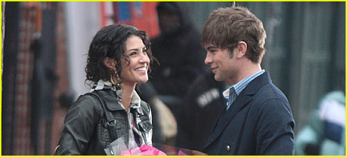 http://cdn04.cdn.justjared.comchace-crawford-kissing-jessica-szohr-gossip-girl.jpg
