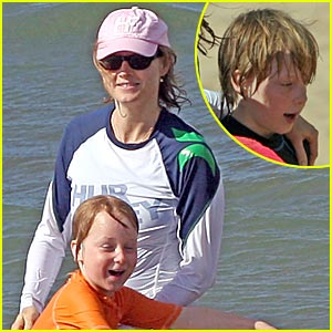 Jodie Foster's Easter Sunday With Her Sons