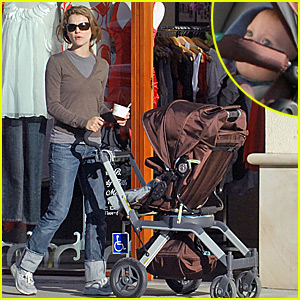 Keri Russell S Is Tickled Pinkberry Celebrity Babies