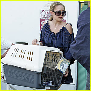 Lauren Conrad Gets Caged
