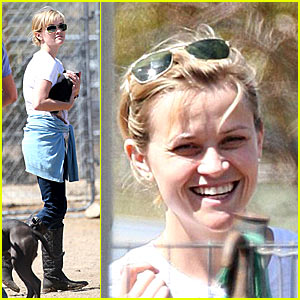 Reese Witherspoon Pigs Out