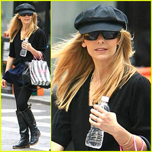 Sarah Michelle Gellar is Possessed in SoHo