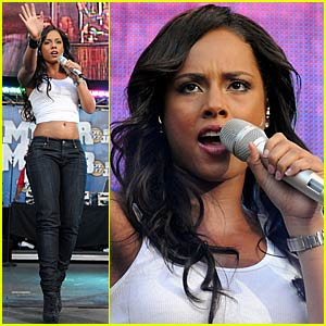 Alicia Keys Sizzles for Summer Jam