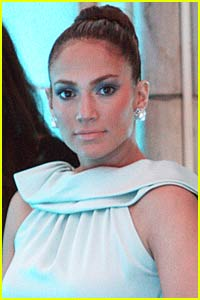 Jennifer Lopez to Create Exercise Clothing Line