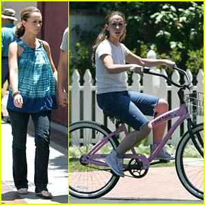 Jennifer Love Hewitt Loves Big Bikes