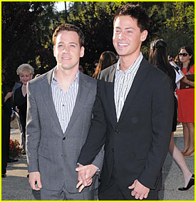 T.R. Knight: No Wedding in the Works